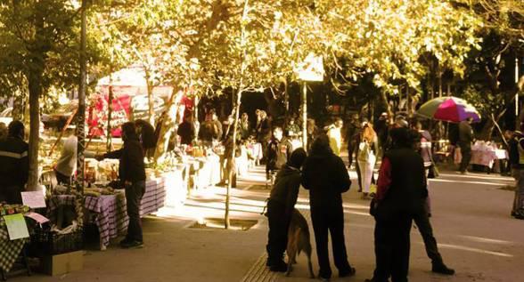Γιορτή και δρώμενα στη Πλατεία Εξαρχείων, μετά τη λαϊκη της πλατείας // Κυριακή