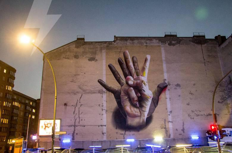 Φωτογραφία δρόμου: στο Βερολίνο / Unter der Hand