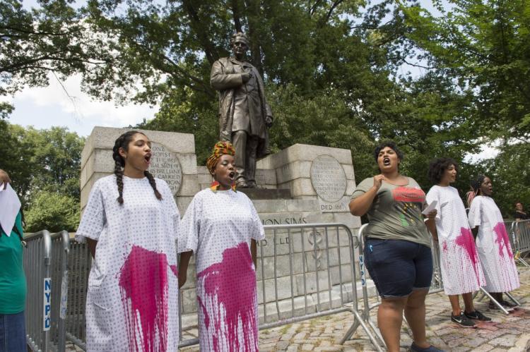 Πρόσφατη παρέμβαση από την ακτιβιστική ομάδα Black Youth Project 100