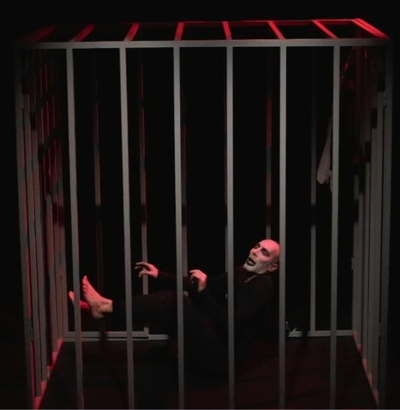 Kafka's Freak για δεύτερη χρονιά στο θέατρο Φούρνος στα Εξάρχεια
