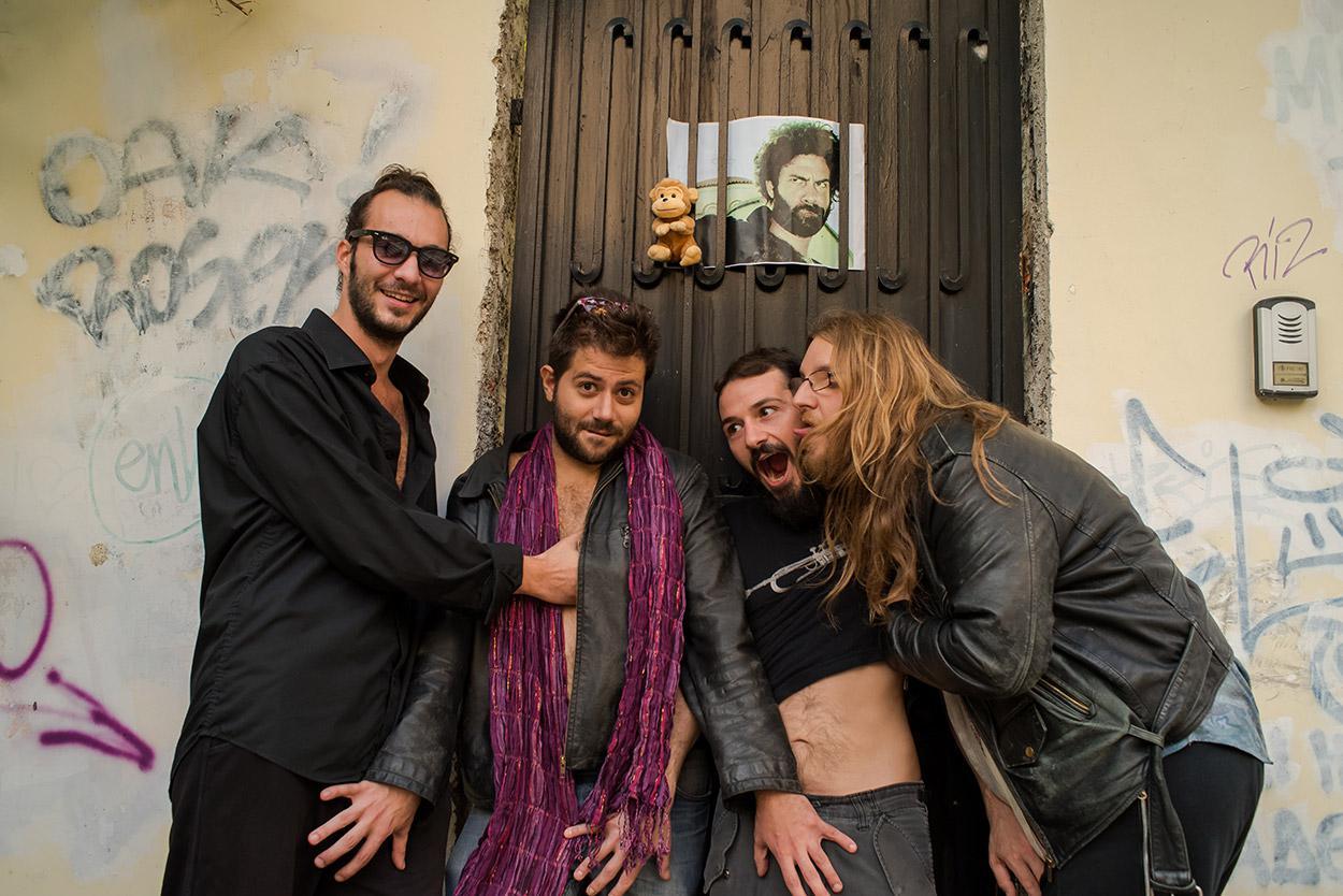 Sexy Christians: Μία κουκουρούκου μπάντα που μας κόλασε
